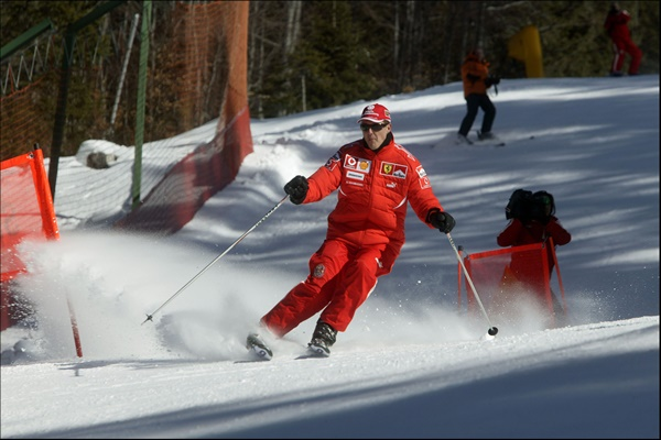 F1 PRESS SKI MEETING MADONNA DI CAMPIGLIO.TRENTINO.2006. FERRARI DRIVER MICHAEL SCHUMACHER**** FILE **** ***** NORTH AMERICAN SALES ONLY ---- NO AGENTS ---- NORTH AMERICAN SALES ONLY ***** Photo via Newscom