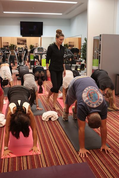 ©PHOTOPQR/LE PARISIEN/Philippe Lavieille ; PARIS 15/09/2016 COUR DE YOGA POUR LE PERSONNEL DE L'HOTEL LE BRISTOL A PARIS Yoga training for the employees of the famous Bristol hotel in Paris, France Photo via Newscom