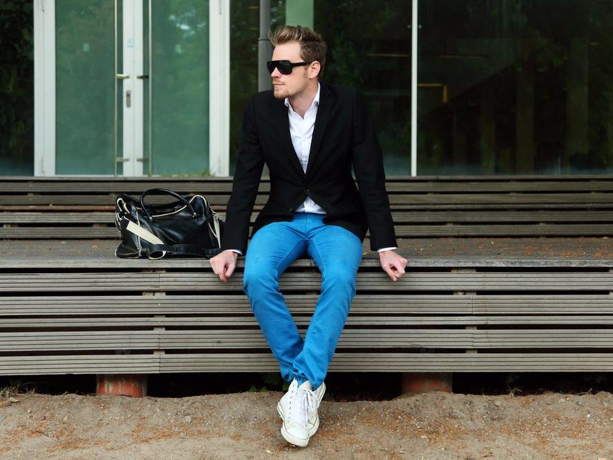 1-skinny-guys-should-wear-boot-cut-pants-to-make-their-legs-look-wider-macadocious