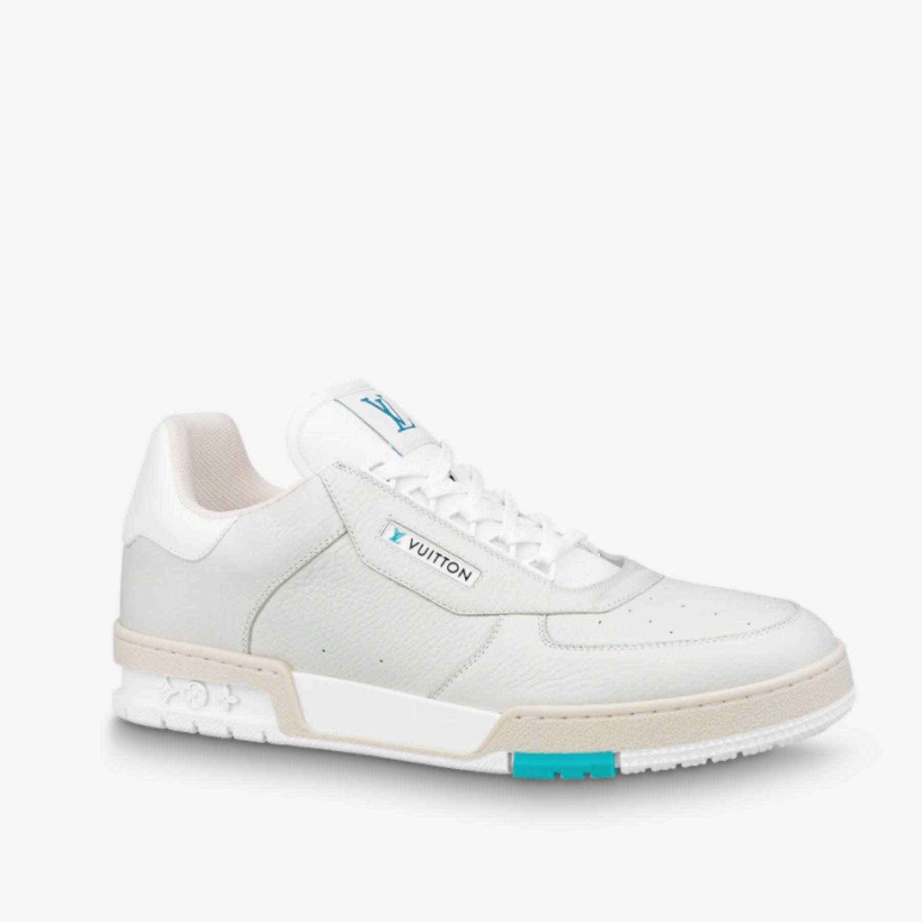 10 kasut putih